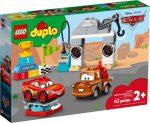 10924 LEGO® Disney™ Villám McQueen versenyének napja