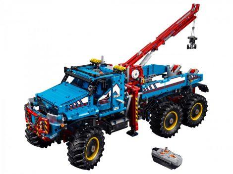 42070 LEGO® Technic™ 6x6-os terepjáró vontató