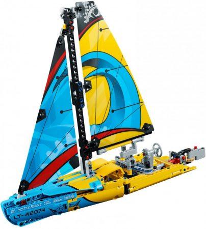 42074 LEGO® Technic™ Versenyjacht